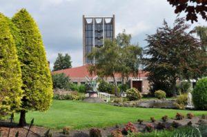 De nieuwe kerk en de tuin
